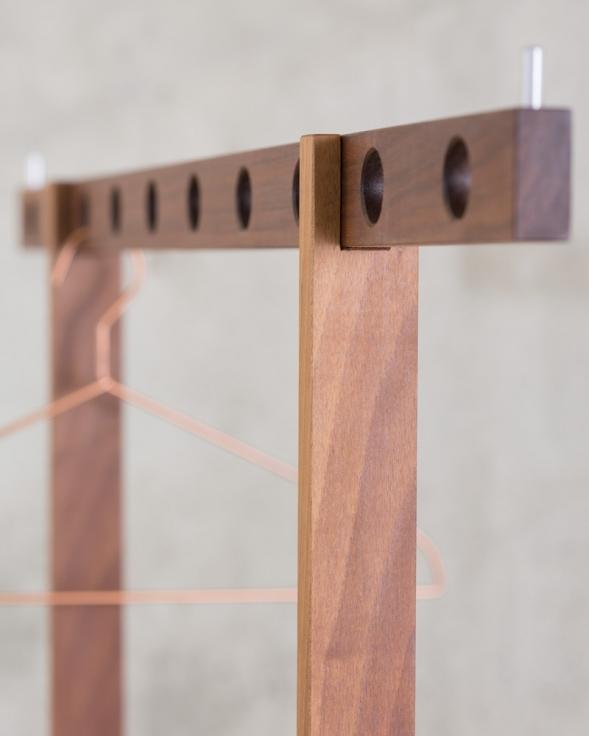 onlineshop möbel nach mass kleiderständer hout detail 1