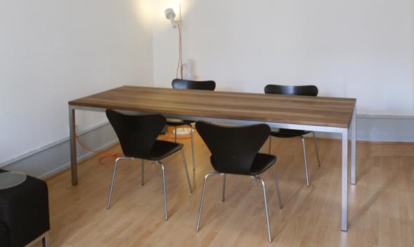 Moebel Online Tisch Nach Mass Nussbaum Metallgestell